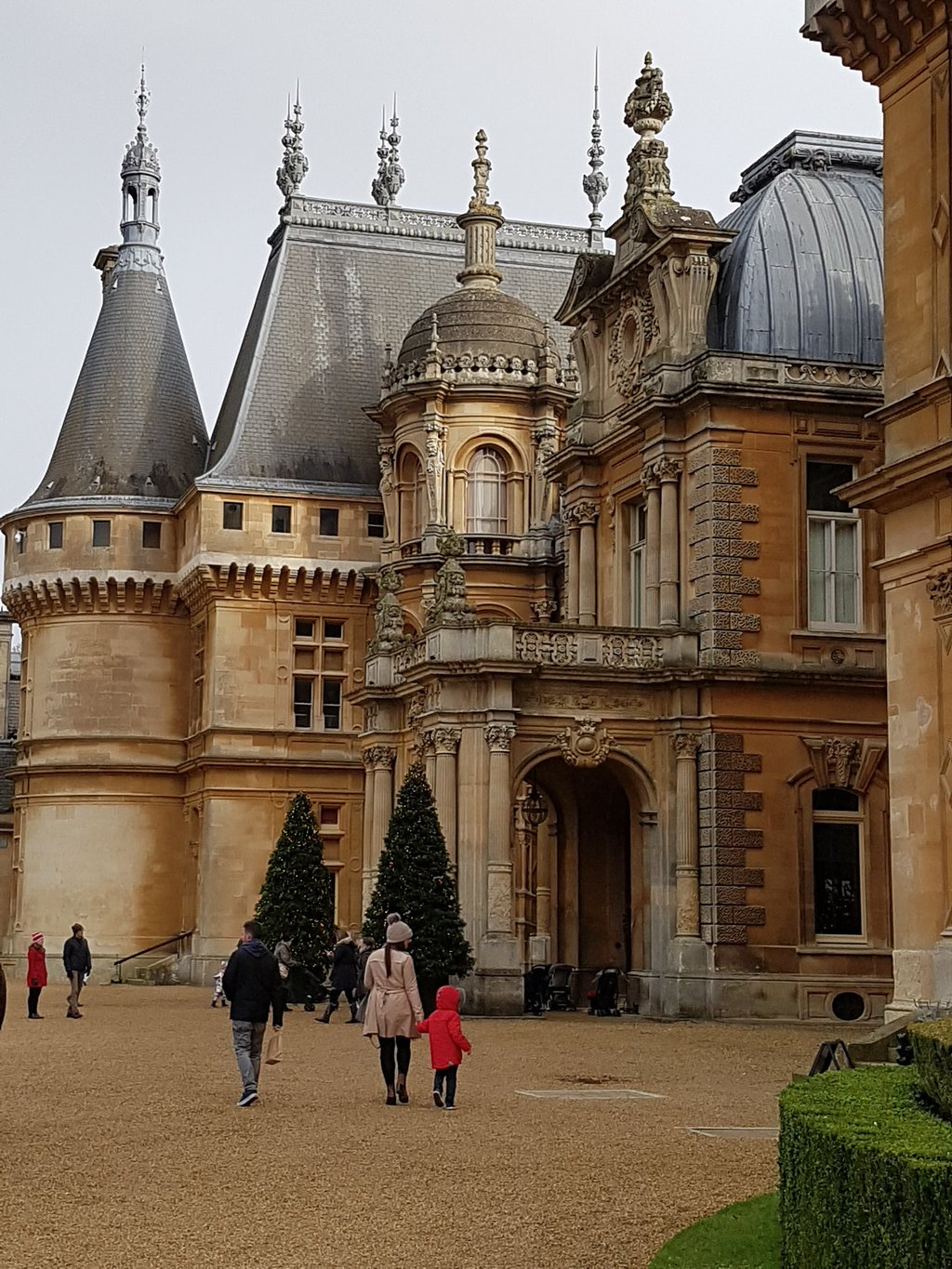wonderful winter at waddesdon manor the newby tribe. Black Bedroom Furniture Sets. Home Design Ideas